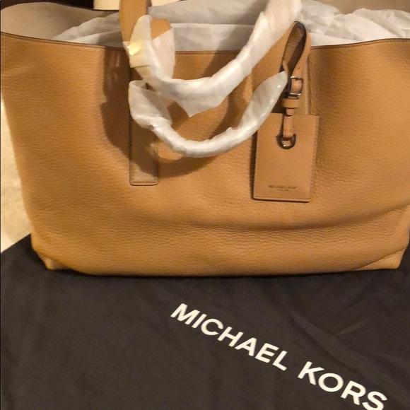 5cc3976440d5 Michael Kors Bags   Mason Ew Reversible Tote   Poshmark